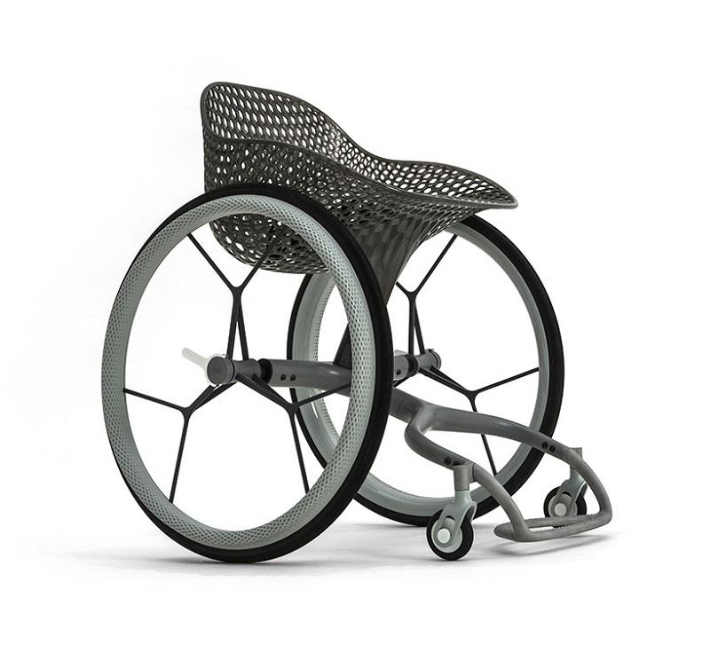 智能护理轮椅.jpg